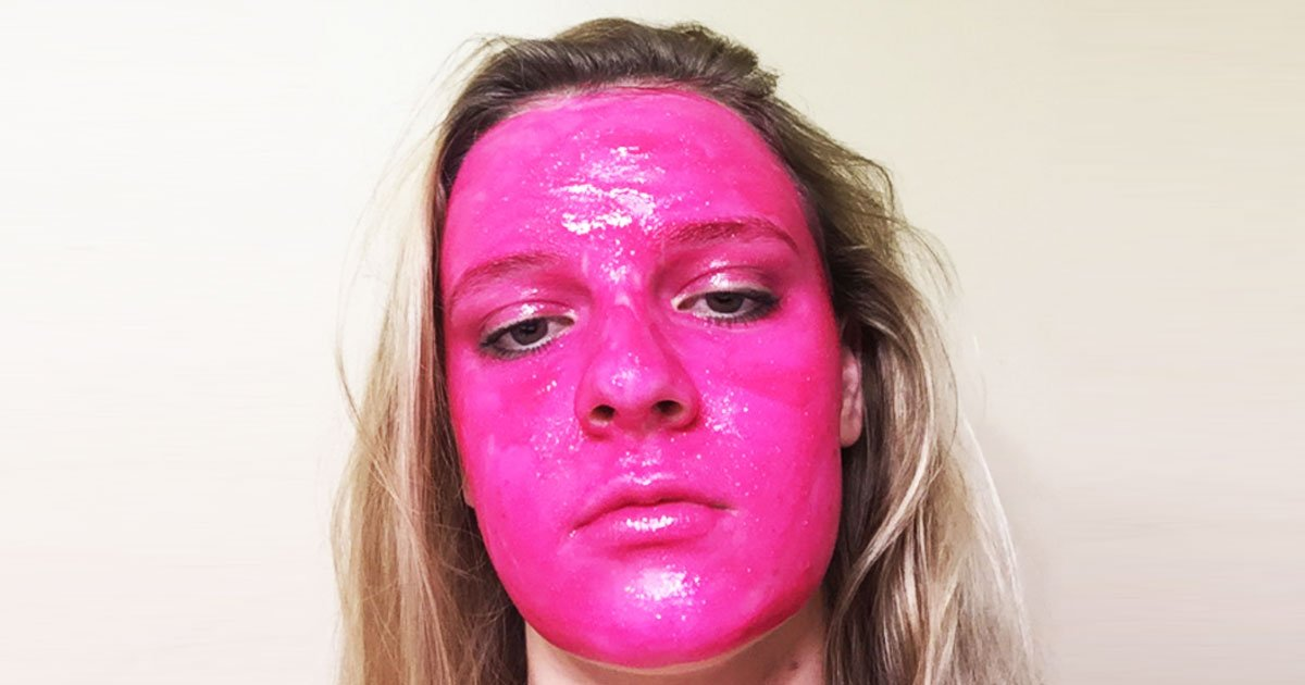 A Twitter User Girl Covers Her Face In Bright Pink