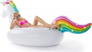 Different types of inflatable pool floats