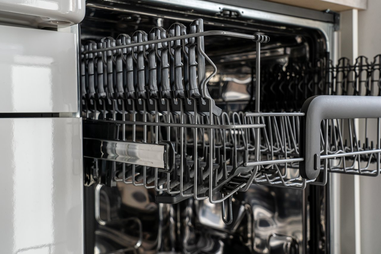 How to descale a dishwasher